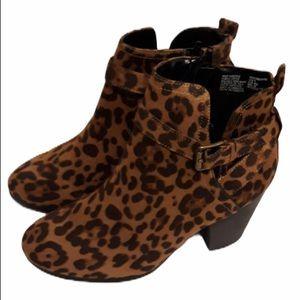 Womans Time&Tru Leopard Bottie Memory foam